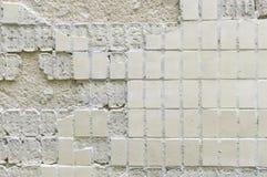 人为蓝色轻的石墙 免版税图库摄影