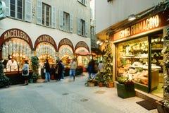 人买的食物在卢加诺的市中心意大利p的 免版税库存照片