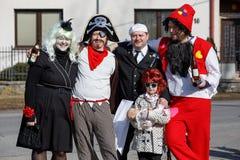 人们出席传统马索普斯特狂欢节 库存照片