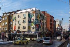 人们和电车在Ignatiev伯爵街道在索非亚,保加利亚 图库摄影