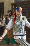 人们在中世纪衣裳穿戴了在每年节日`时费拉Fr的庆祝 图库摄影
