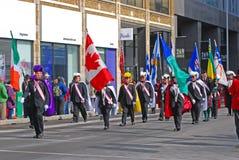 人们在圣帕特里克` s天游行,渥太华,加拿大 库存照片