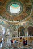 人们在基督和新的M的复活的教会里 库存图片