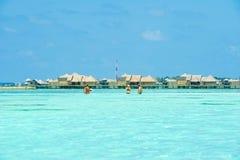 人们在天堂海岛,马尔代夫的假日 2012年3月 图库摄影