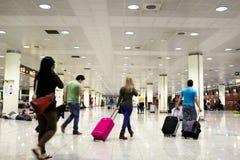 人们在机场。 免版税库存照片