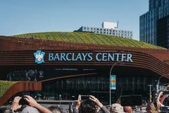 人们拍摄的巴克莱集中,布鲁克林,纽约,美国 免版税图库摄影