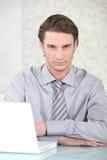 人佩带的衬衣和领带 免版税库存照片