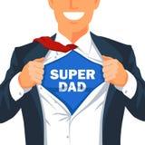 人剥去他的衬衣显示题字超级爸爸 皇族释放例证