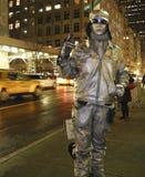 人力人nyc被绘的银色雕象 库存图片