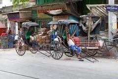 人力车在加尔各答,印度 免版税库存图片