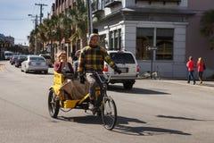 人力车自行车出租汽车查尔斯顿南卡罗来纳 免版税库存照片