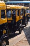 人力车计程车车站在帕纳吉,果阿,印度 库存照片