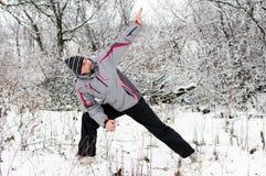 人向体育运动求助在冬天户外 库存图片