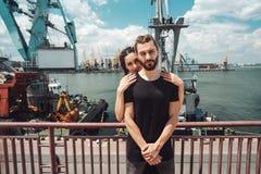 人和女孩在船坞 库存照片