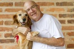 人和狗朋友 免版税库存照片