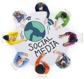 人和社会媒介概念鸟瞰图  免版税库存图片