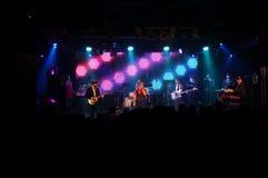 人唱歌当在舞台的带戏剧在MOTOWN华伦泰5 库存图片