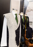 人在人体模型的衣服草稿 免版税库存照片