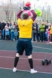 人在健身Crossfit,奥伦堡,俄罗斯竞争 库存照片