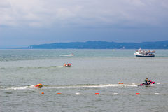 人在黑海,巴统的水滑行车去 免版税库存图片