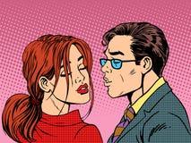 人妇女亲吻爱浪漫史夫妇 免版税库存照片