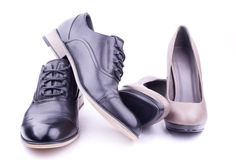人对s穿上鞋子妇女 库存照片