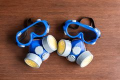 人工呼吸机面具、防尘面具和安全面具化工industr的 免版税库存照片
