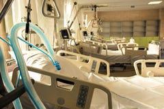 人工呼吸的特别设备在复活 免版税库存图片