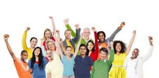 人庆祝幸福快乐的公共成功概念 免版税库存图片
