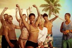 人庆祝海滩党暑假假期概念 免版税图库摄影