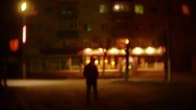人强盗剪影敞篷的是夜光灯笼窃贼违者 夜贼被弄脏的背景未知数是 股票视频