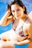 年轻人怀孕的拉丁妇女 免版税图库摄影