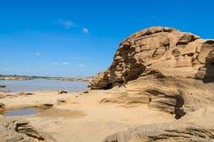 令人惊讶岩石在湄公河 库存照片