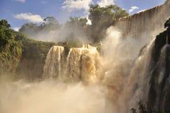 令人惊讶的伊瓜苏瀑布。阿根廷边 库存图片