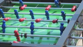 人戏剧喷射器桌橄榄球足球 影视素材