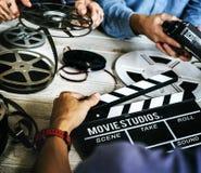 人手和电影记录材料 图库摄影
