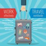 人手藏品旅行有地标贴纸的袋子行李 旅行的传染媒介概念 库存例证