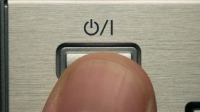 人按开关按钮,力量按钮 股票视频