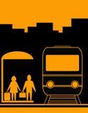 人旅行等待的妇女 免版税图库摄影