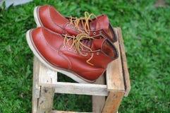 人时尚和工作的` s鞋子 免版税库存图片
