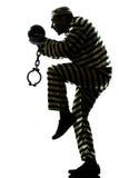 人有链球的囚犯罪犯 免版税库存图片
