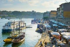 人波尔图堤防概要 葡萄牙 免版税库存图片