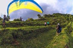 人滑翔伞用Bal 库存图片