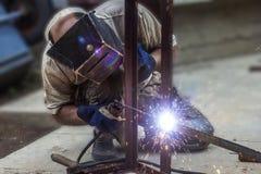 人电弧焊接 免版税库存照片