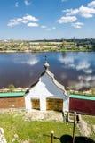 人的圣尼古拉斯修道院在Staraya拉多加 俄国 免版税图库摄影