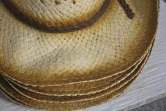 人的秸杆夏天帽子 免版税图库摄影