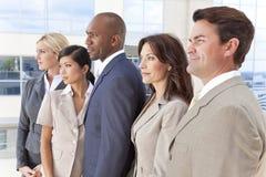 人种间男人&妇女企业小组 库存图片