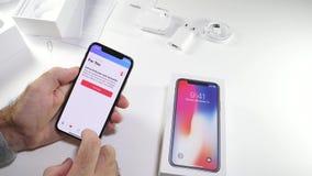 人箱中取出最新的iPhone x敲打收音机1 股票录像