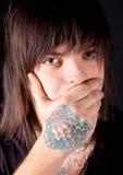 人纹身花刺年轻人 库存图片