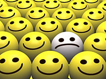 人群愉快的哀伤的兴高采烈的面带笑容 免版税图库摄影
